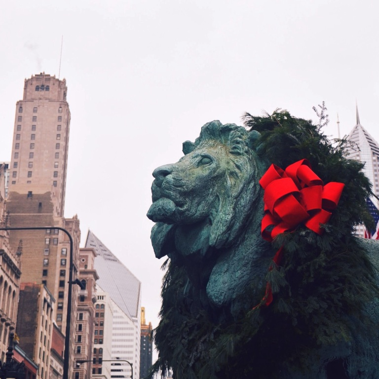 Lion in front of Art institute Chicago